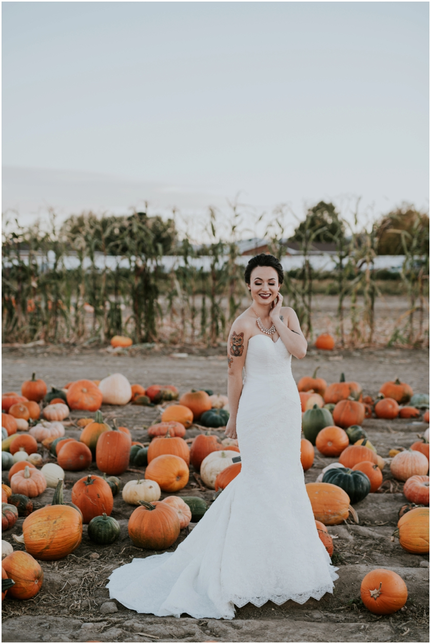 021pumpkin-patch-photoshoot-sioux-city-wedding-photographer