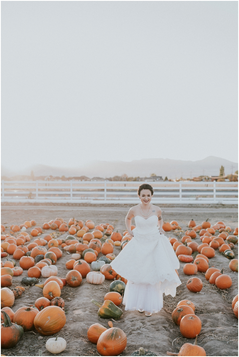 023pumpkin-patch-photoshoot-sioux-city-wedding-photographer